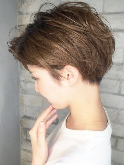 This shaggy length/  long pixie