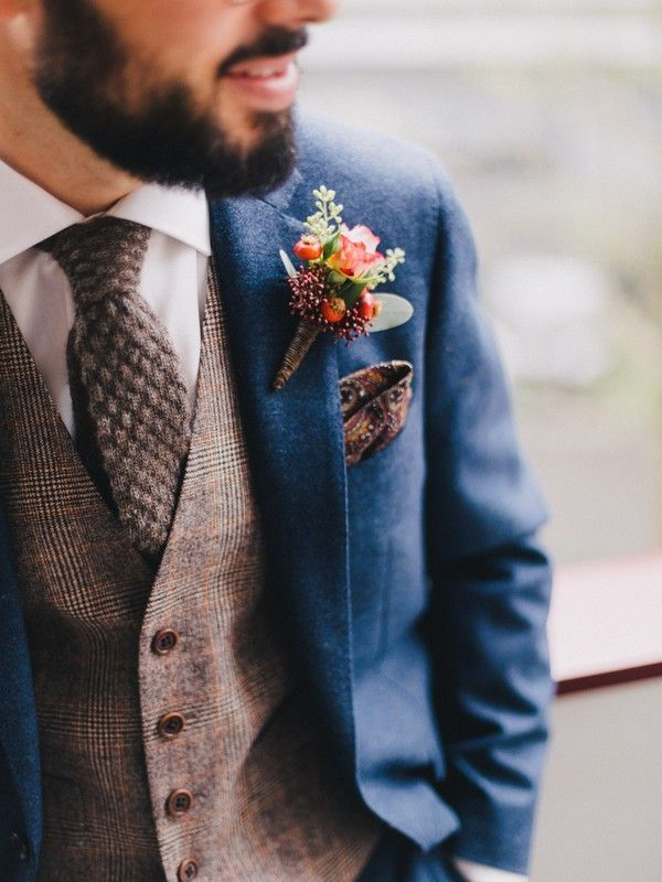 chic vintage groom suit for fall weddings #Weddingsoutfit