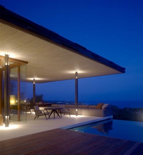 A Must Use For The Columns At The Open Area   Lighted On Top An Bottom, To  Make It Seem U0027lighteru0027 Roof Terrace