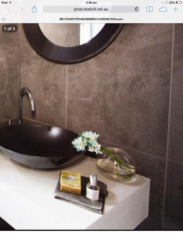 Black basin, white top, black mirror