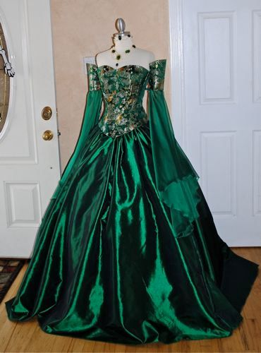 Miranda Medieval Corset Gown Silk and Chiffon by RomanticThreads, $850.00...WAY outta my league--but Sooo nice to dream LOL ;)