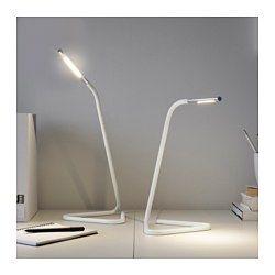 IKEA - HÅRTE, Led-työvalaisin, musta/hopea, , Joustava käyttää, sillä virran voi ottaa joko tietokoneen USB-liitännästä tai pistorasiasta.Säädettävän pään ansiosta valo on helppo kohdistaa ylös tai alas.Siro; sopii myös pieniin tiloihin.Toimii led-lampuilla, jotka kuluttavat 85 % vähemmän energiaa ja kestävät 20 kertaa pidempään kuin tavalliset hehkulamput.