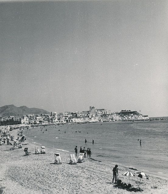 Playa de Benidorm | por Biblioteca Facultad de Empresa y Gestión Pública