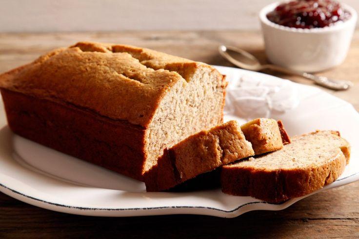 Una ricetta dolce da gustare a colazione: il banana bread è un plumcake soffice da servire con burro, marmellata o cioccolato.