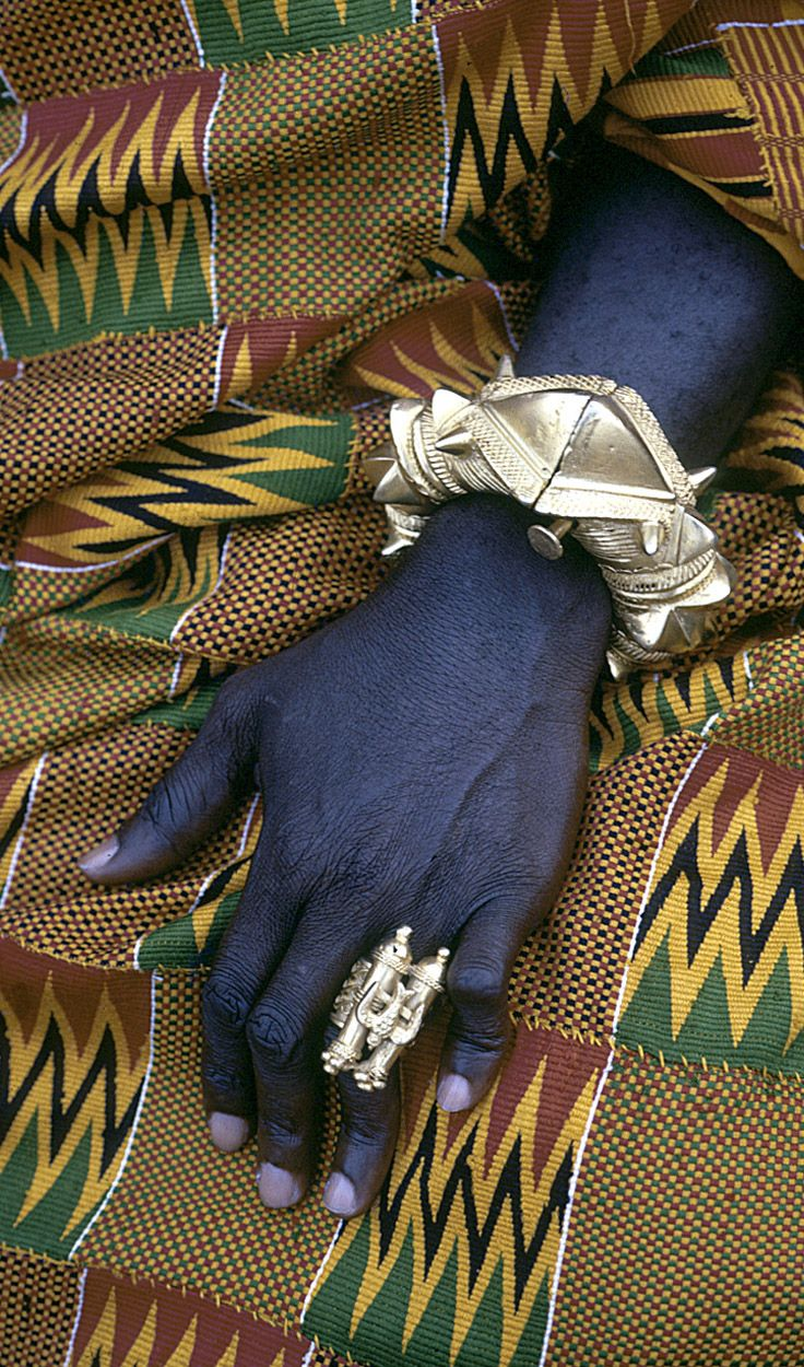 Africa | Asante regional Chief Kwaku Addai's ornate bracelet and gold finger-ring. Kumasi, Ghana. ca. 1970 | ©Eliot Elisofon