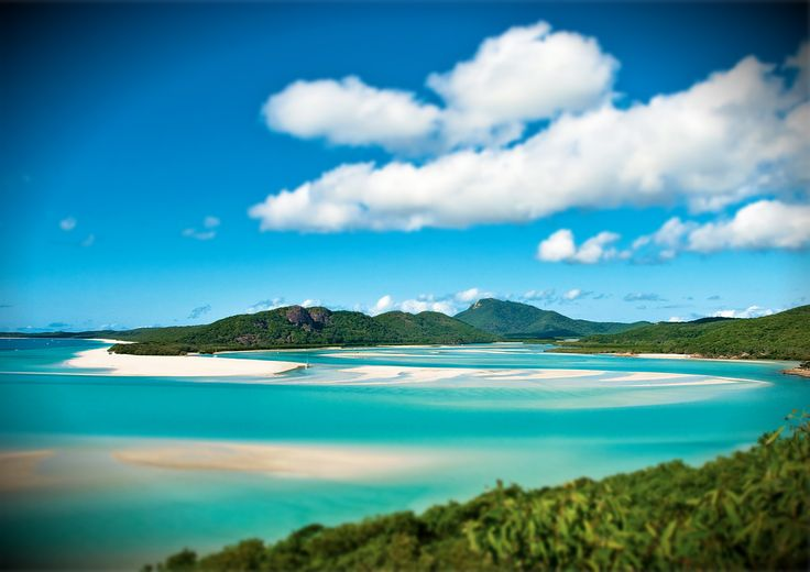 Experience Whitsundays on board sailing trip