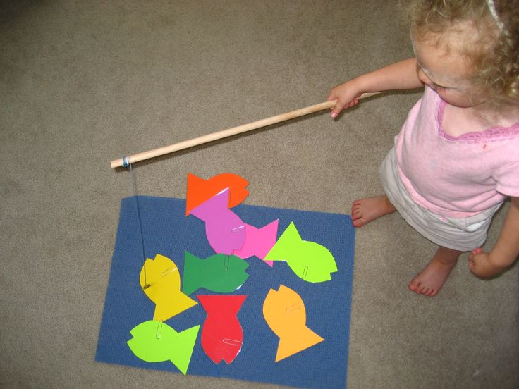 make a simple magnetic fish pond for toddlers/preschoolers