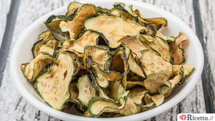 Chips di zucchine fritte o al forno