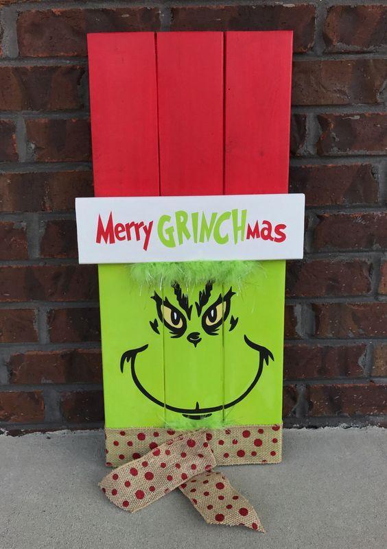 Grinch Wood Pallet Sign.