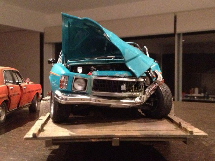 holden sandman custom wrecked  patina smashed  crashed ute  diecast custom wrecks