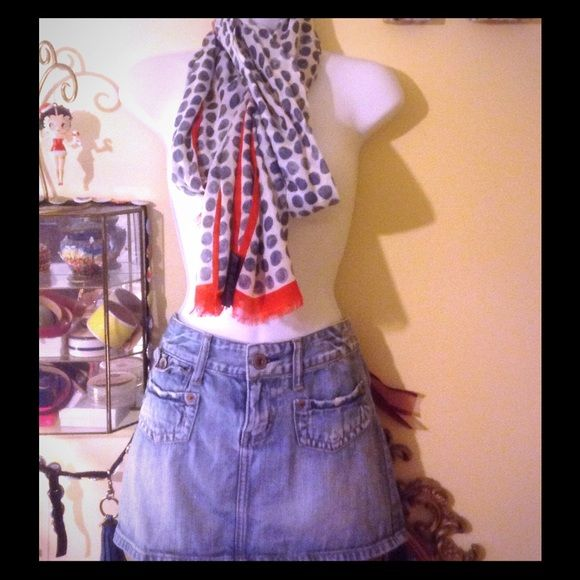 AE size 6 denim skirt Cute soft denim mini in size 6 from AE American Eagle Outfitters Jeans