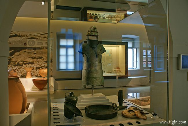 """The reconstructed armor found in the """"cuirass tomb"""" at the Mycenean cemetery of Dendra in #Argolida, displayed in the Archaeological Museum of #Nafplio. (15th c. BC)"""