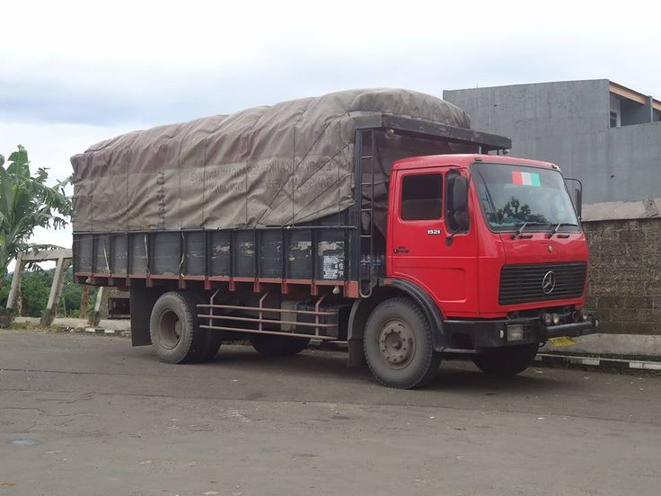 Show your truck! Bambang Legoyo sent us a picture of his Mercedes-Benz 1521