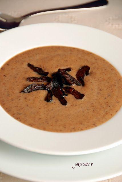 Śmietanowa zupa z suszonych śliwek