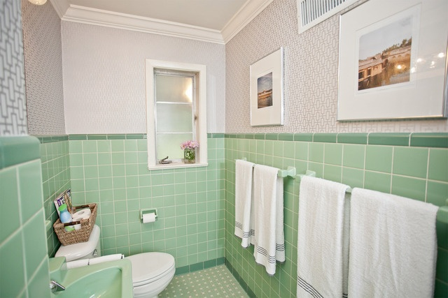 love how this bathroom doesn't feel too old fashioned with the wallpaper