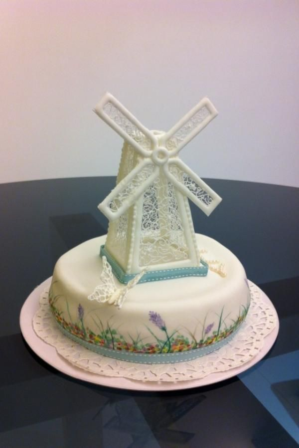Lace windmill cake - Cake by R.W. Cakes