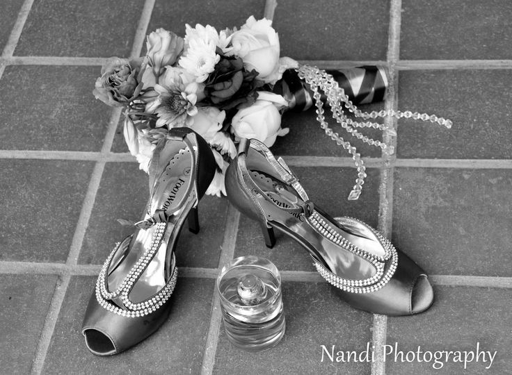 Find inspiration for your wedding pics at Nandi Photography @ nandiphotography.com