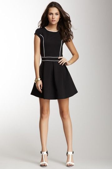 Contrast Piping Pleated Dress