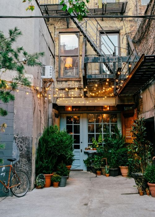 hipster apartmentsdoorwindows