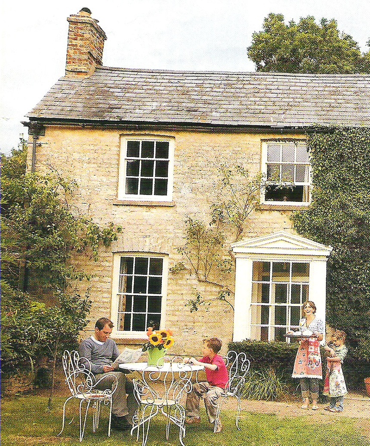 I want to live in a house like this. (UK Country Living magazine 2009)