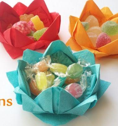 DIY waterlily candy bowl from napkins - napkin folding / Vízililiom formájú szalvéta tálkák - szalvéta hajtogatás /  Mindy -  creative craft ideas