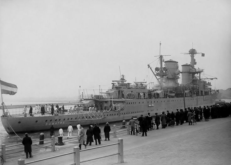 HNLMS Sumatra ( Dutch : Hr.Ms. Sumatra ) was a Java -class cruiser of the Royal Netherlands Navy . She was launched during World War I and saw action during World War II .
