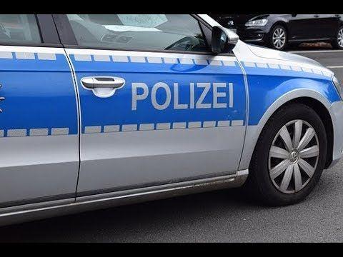 Zobacz jak zatrzymuje Cię Niemiecka Policja. See how the German Police stop   Paweł Grzebien Paweł Grzebien 1 tydzień temu To powinien być materiał szkoleniowy dla policji w Polsce i naszego kochanego ITD, które za nic ma bezpieczeństwo swoje i kontrolowanych, zatrzymując pojazdy na pasie awaryjnym autostrady. Jak się to kończy ostatnio mieliśmy okazję się przekonać na drodze S8, gdzie beztroski funkcjonariusz przepłacił to życiem. Szkoda, że zabiła go niewinna osoba,