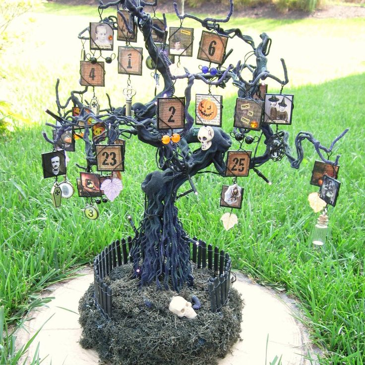 Spooky Tree Halloween Advent Calendar by shambleramble on DeviantArt