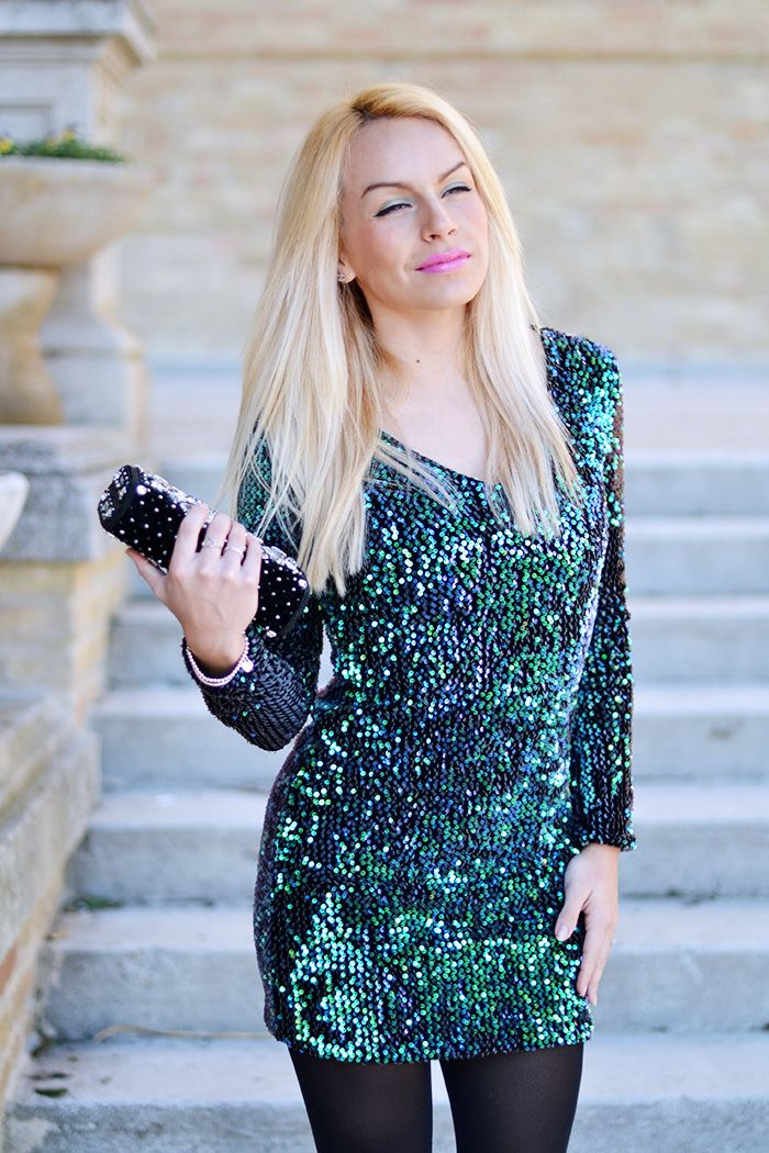 Sparkly sequined dress! Today on my #blog www.it-girl.it #fashion #look #dress #fashion #style #cool #blondie #fashionblogger