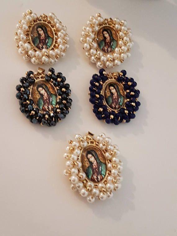 72a33cbbc701 Colgante de la Virgen de Guadalupe bordado en Cristales y Bordado en Perlas  Escoger color.