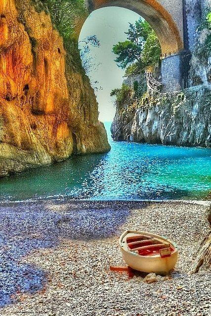 Vettica – Campania, Italy... #Italy