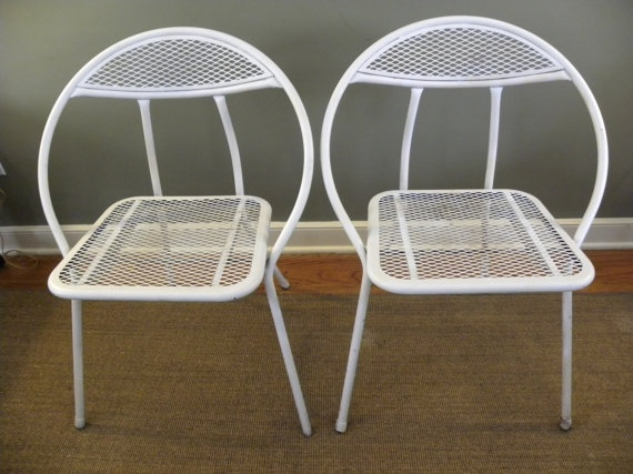 Vintage Mid Century Set Of 2 Folding Circle Patio Daddy  O Chairs