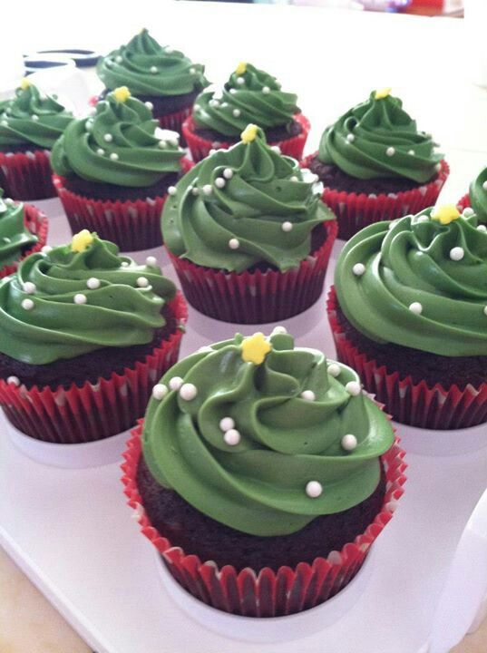 """Extremely simple but cute Christmas cupcake! My """"dish to pass"""" at family functions this year? I think so!"""