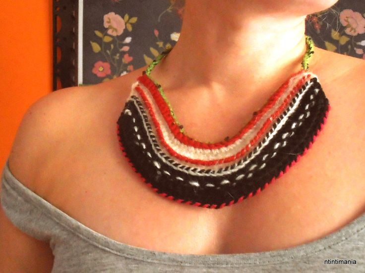 Necklace made of upcycled yarns
