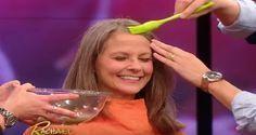 Ela passa água de batata no cabelo para escurecer os fios brancos naturalmente | Cura pela Natureza.com.br