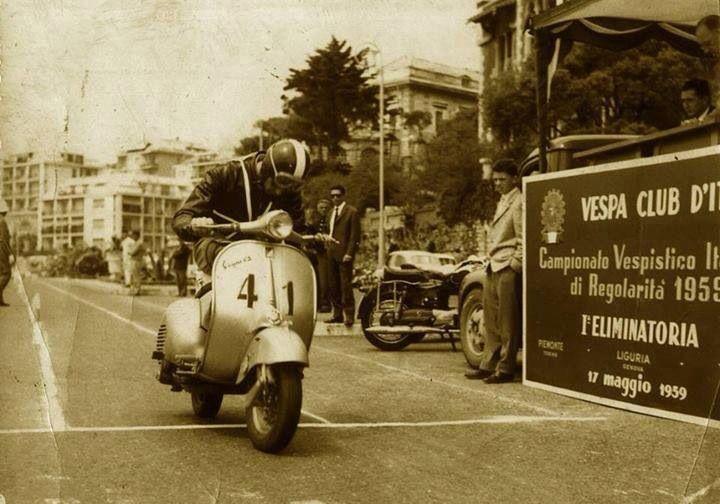 Campionato Vespistico Italiano di Regolarità 1959 (Vespa GS, Corso Italia, Genova)