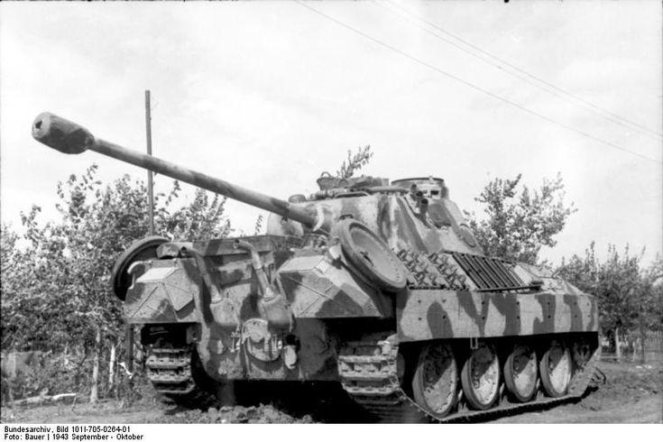 "Panzer V ""Panther""; KPZ, South-Russia,September 1943. #worldwar2 #tanks"