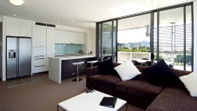 Palm Cove Tropic Apartments offer Affordable 1 & 2 Bedroom apartments set in tropical landscaped gardens including a free-form swimming pool that is heated in winter.