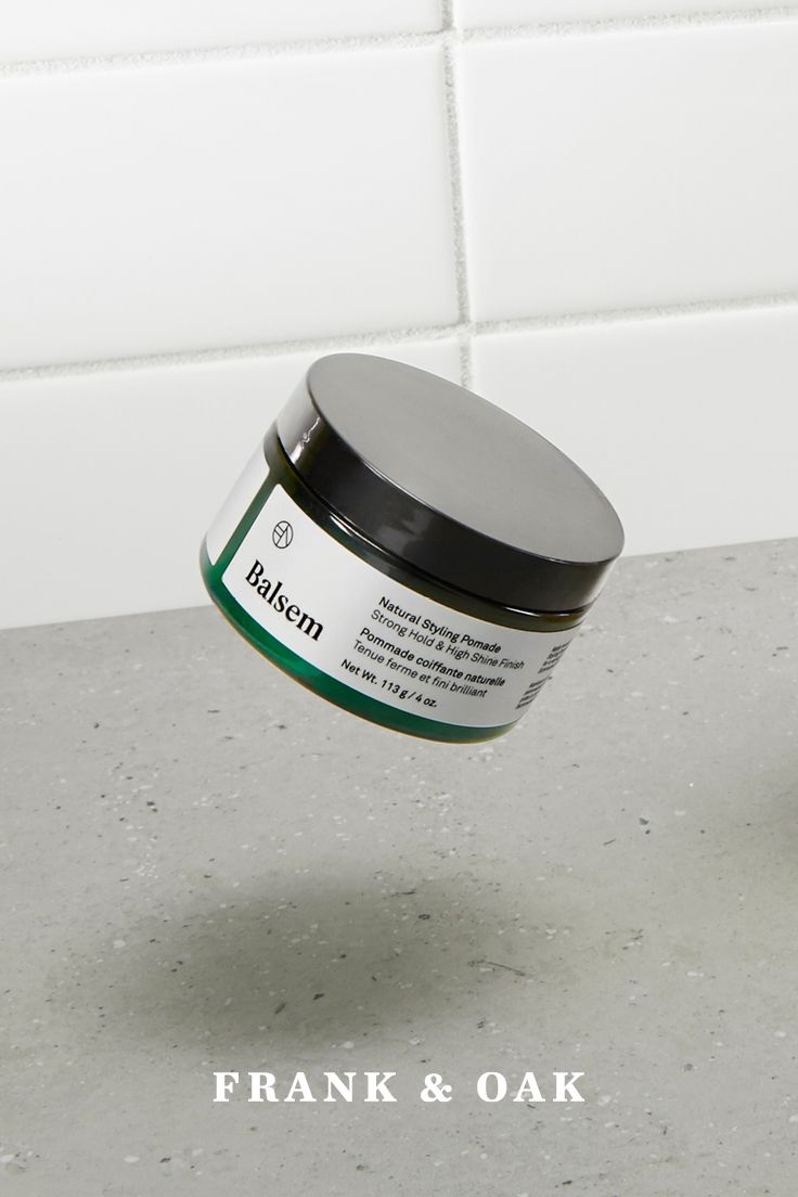 This natural pomade keeps hair in place with strong, flexible hold and a high shine finish, ideal for a variety of styles. Cares for the hair with Wheat Proteins, Canadian Willowherb and Echinacea Extract.