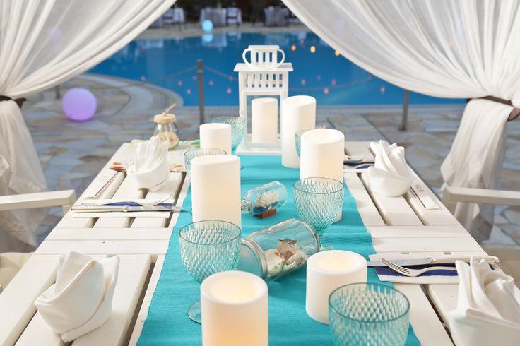都内ホテルのプールサイドでリュクスなナイトピクニックを満喫