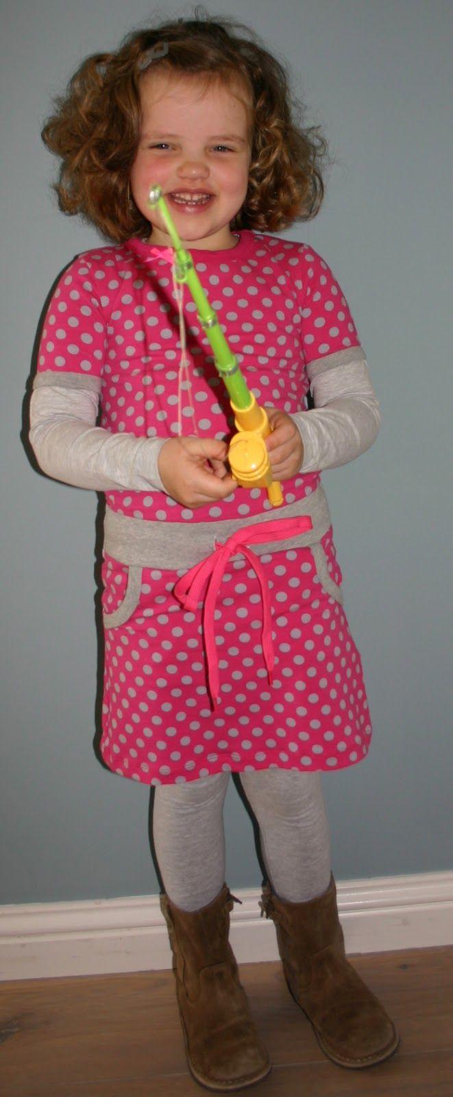 Omdat de meisjes het zo leuk vinden heb ik ook deze lente weer een 'tweeling' outfit gemaakt voor de nichtjes Fenne en Lieke. Ik kreeg het g...