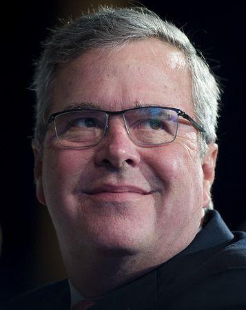 ブッシュ前米大統領の弟ジェブ・ブッシュ元フロリダ州知事=11月20日、ワシントン(AFP=時事) ▼3Dec2014時事通信 ブッシュ元知事「間もなく」決断=父と兄に続き-米大統領選 http://www.jiji.com/jc/zc?k=201412/2014120300399