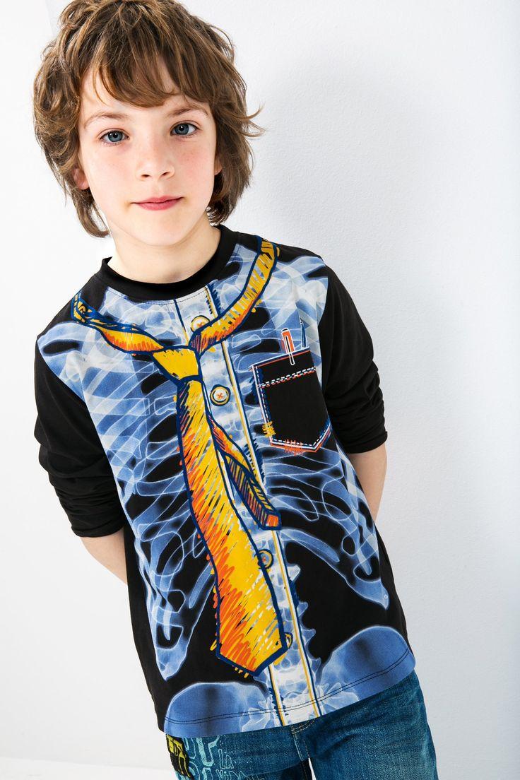 Camiseta negra para niño Desigual. ¡Descubre la colección de niño más cañera!