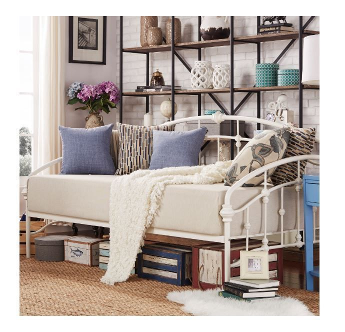 17 best ideas about metal daybed on pinterest daybed room daybeds and rustic daybeds. Black Bedroom Furniture Sets. Home Design Ideas