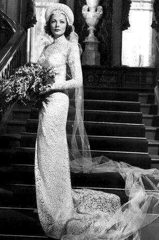 "Gene Tierney in ""The Razor's Edge"" 1946 - Dress designed by Oleg Cassini, Gene's husband."