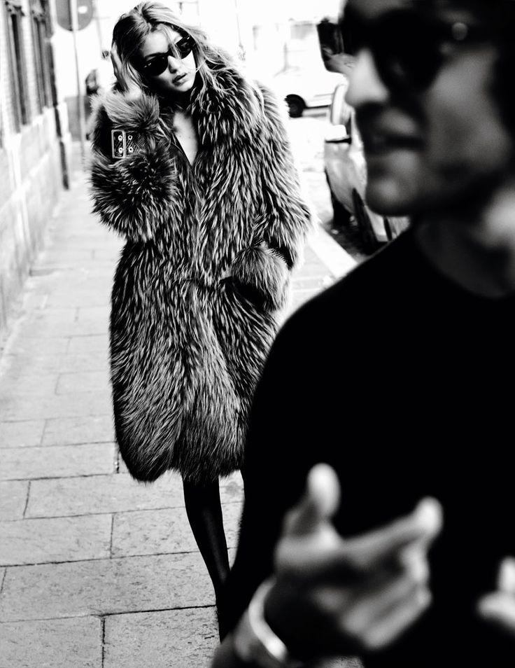 Gigi Hadid by Mario Testino for Vogue Paris November 2016 - Burberry