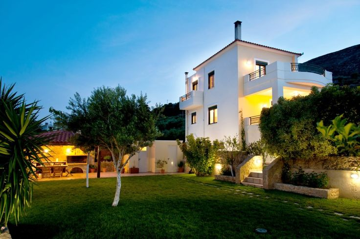 Superb Stays in a private garden with all comforts!Year 2016 and private Pool with jet spa !