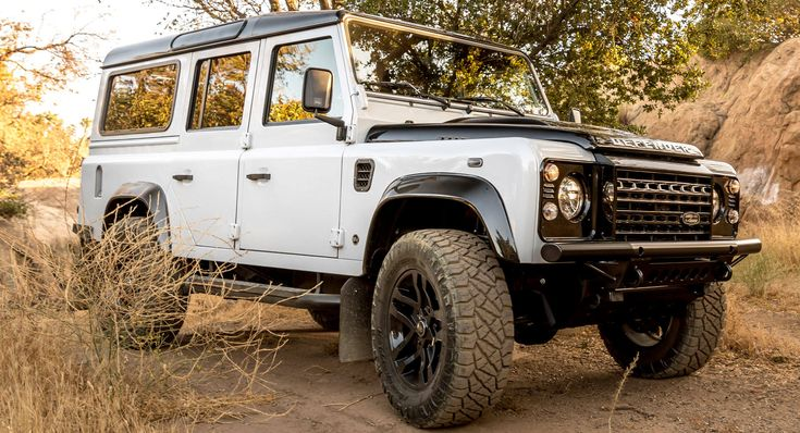 Land Rover Defender Gets An LS3 V8 Upgrade From Fusion #news #Land_Rover