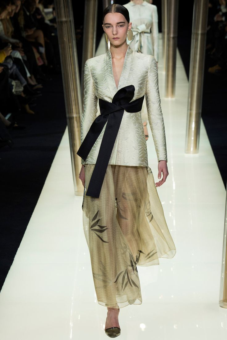 Armani Privé - Spring 2015 Couture - Look 7 of 69?url=http://www.style.com/slideshows/fashion-shows/spring-2015-couture/armani-prive/collection/7