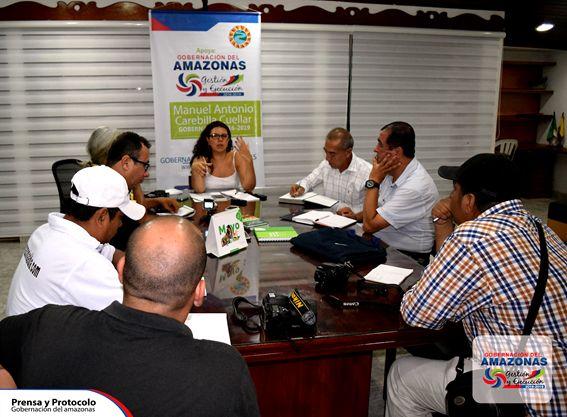 El lunes 11 de abril de 2016 en el Despacho de la Gobernadora (E) ANA MARIA ALMARIO DRESZER, entre 7:00 p.m. y 9:30 p.m. Los periodistas de la Región se congregaron para el primer ejercicio de socialización de la nueva Gobernante (E) ante los medios de comunicación Regional. La mandataria hizo un llamado a la prensa y la comunidad en general en pensar en acciones de conciliación que generen confianza en el presente y el futuro del Departamento.